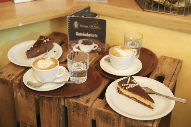 kaffeekuchen.jpg